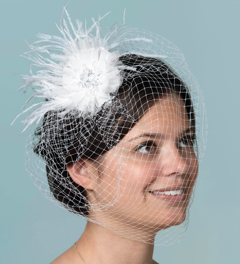 Veil With Feather White