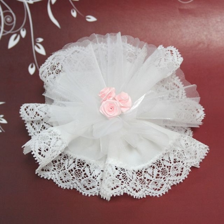 White Crystal And Laced Edge Ready Made Favor With 3 Pink Ribbon Roses