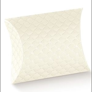 Trapunta Quilted Pillow Box 145x130x40Trapunta Quilted Pillow Box 145x130x40