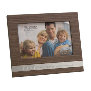 Juliana MDF Frame With Metal Plaque Family 6x4Juliana MDF Frame With Metal Plaque Family 6x4