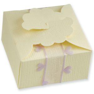 Ivory Silk Daisy Box (55x55x30mm)Ivory Silk Daisy Box