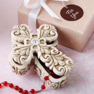 Baroque design vintage Cross themed 2 piece trinket boxStore precious little treasures and celebrate your Love of the Lord with this exquisite Cross shaped trinket box.