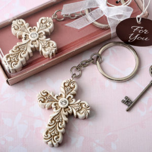 Baroque design Vintage cross themed key chainTake your Christian themed event to the next level with these exquisite Cross keychains. They will thrill your guests and make a favor to be treasured.