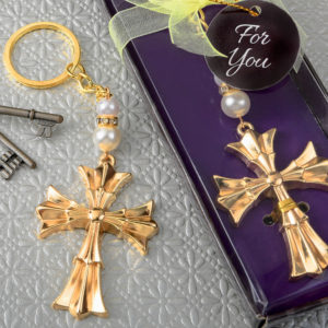 Ornate Flared cross keychain with a gold finishOrnate Flared cross keychain with a gold finish