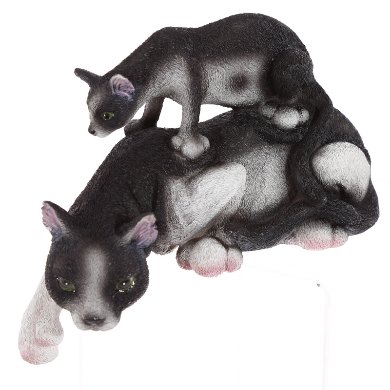 Cute Collectable Cat with Kitten Figurine